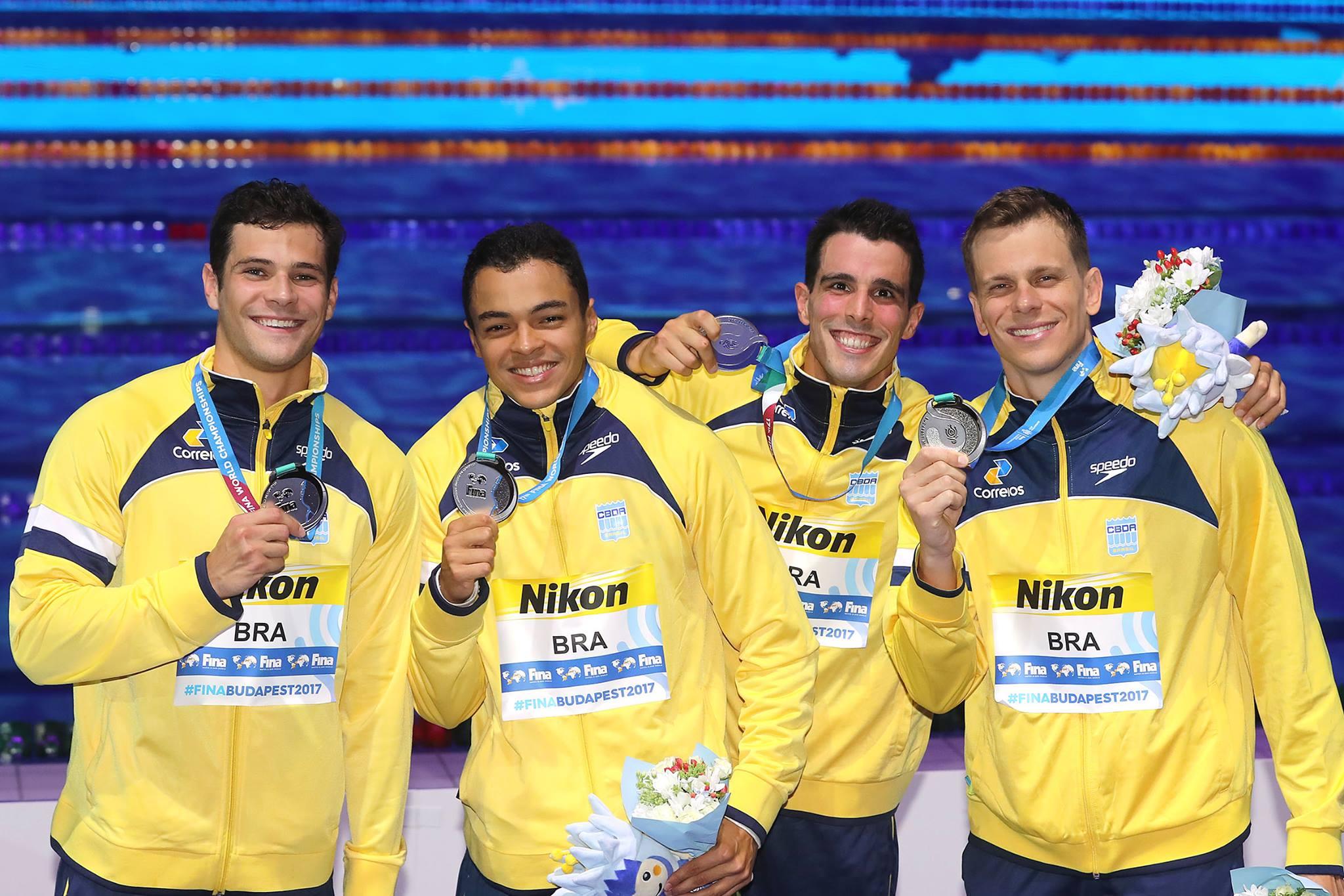 """alt=""""Seleção masculina de natação é medalha de prata em Budapeste"""""""