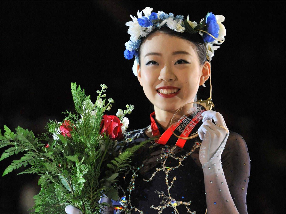 Japonesa Rika Kihira conquista a medalha de ouro na final do Grand Prix de Patinação Artística no Gelo da ISU. Vancouver, Canadá, 2018.