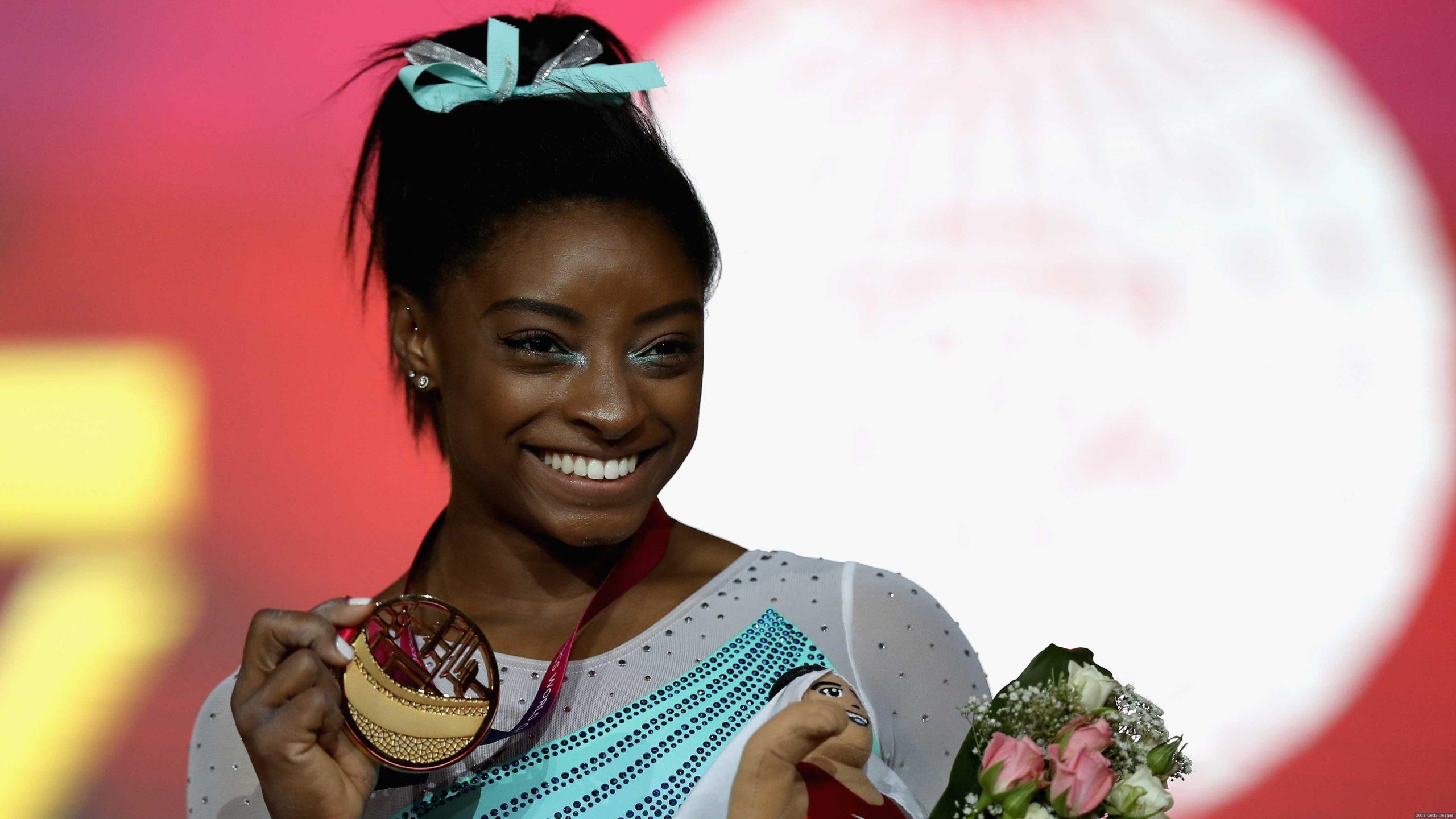 Simone Biles no Campeonato Mundial de Doha, em 2018.