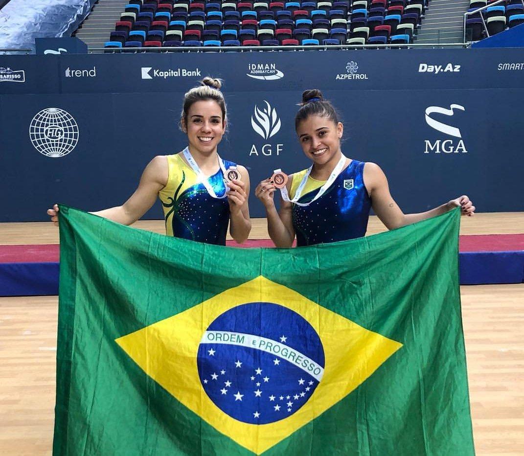 A dupla brasileira de ginástica de trampolim Camilla Gomes e Alice Gomes conquistaram o bronze na Copa do Mundo de Ginástica de Trampolim.