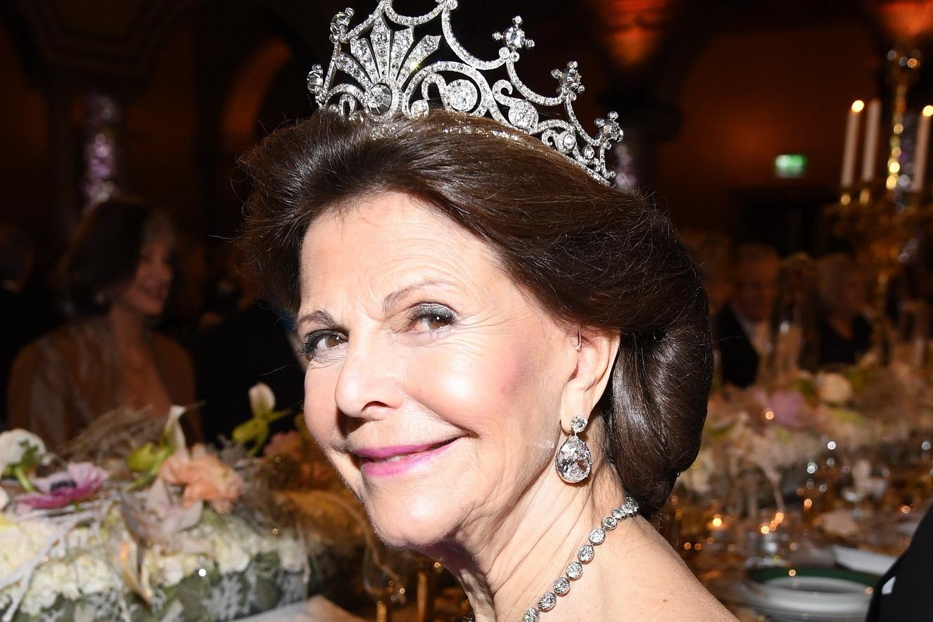 Rainha Silvia da Suécia demonstra apoio a Are 2026