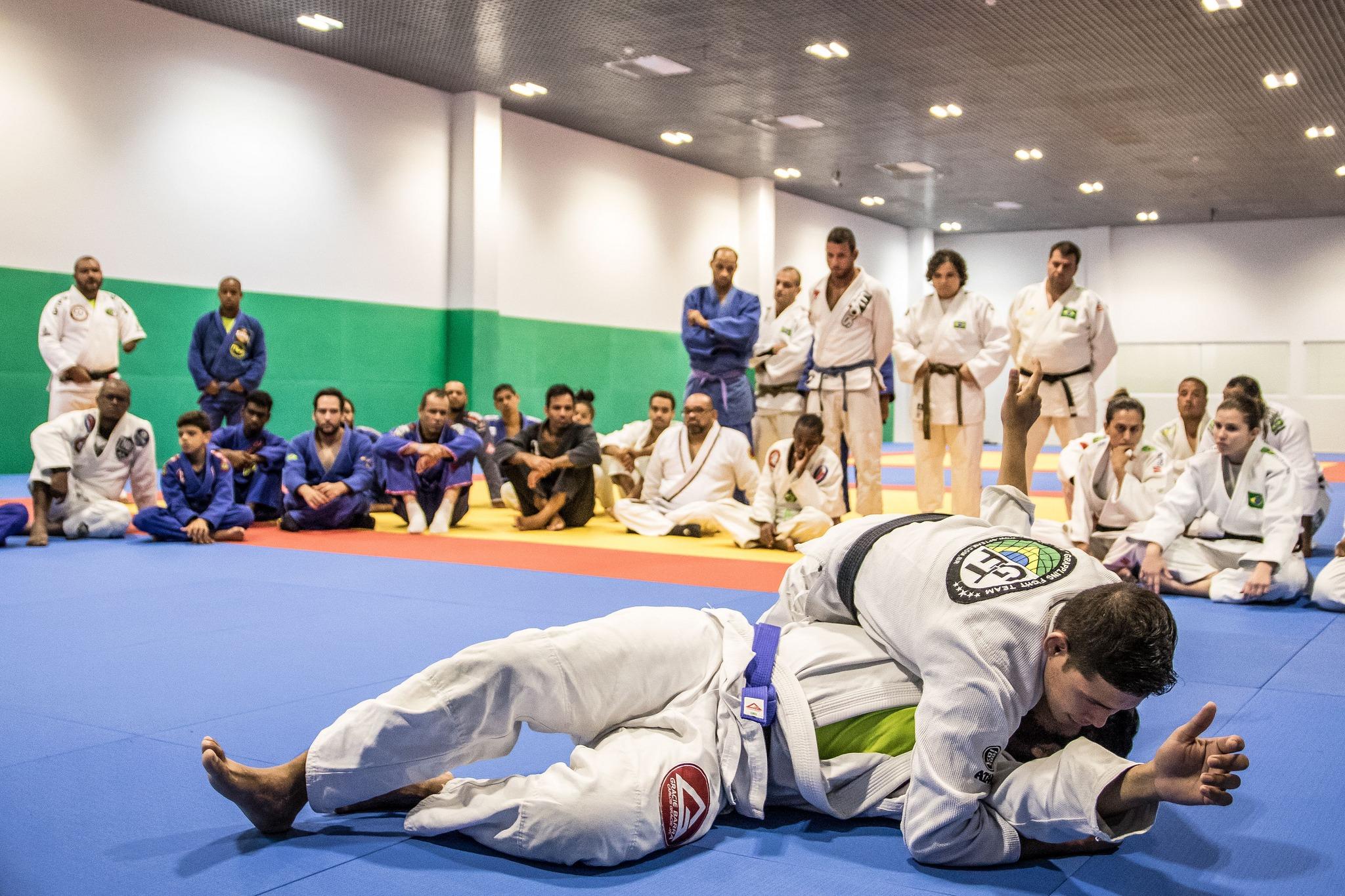 Seleção brasileira de judô paralímpico embarca para competição na Europa