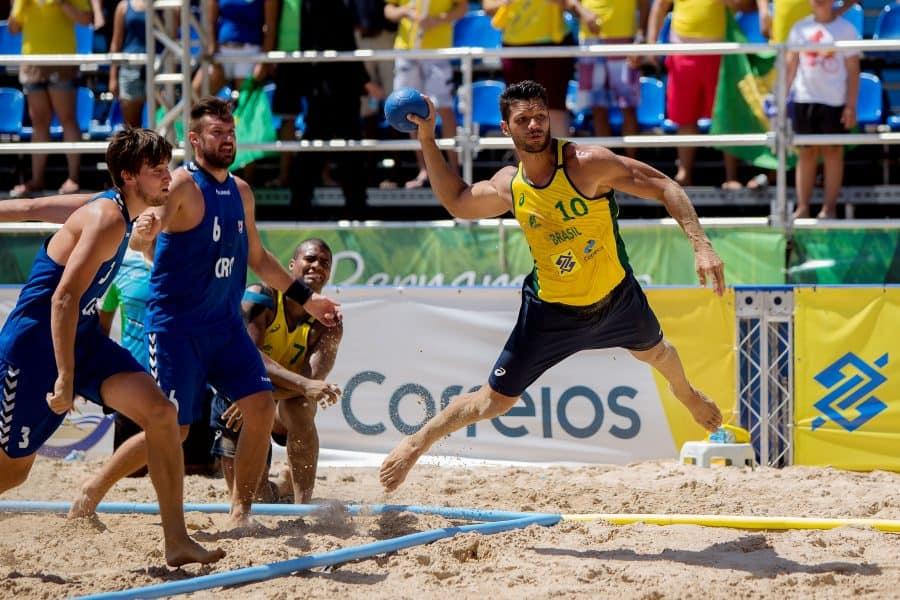 Brasil bate Chile e avança à final do handebol de areia em Rosário