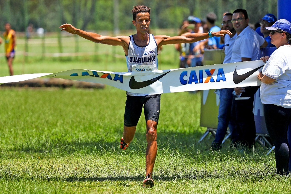 Johnatas Cruz é um dos integrantes da equipe nacional de Cross country. Foto: Wagner Carmo/CBAt