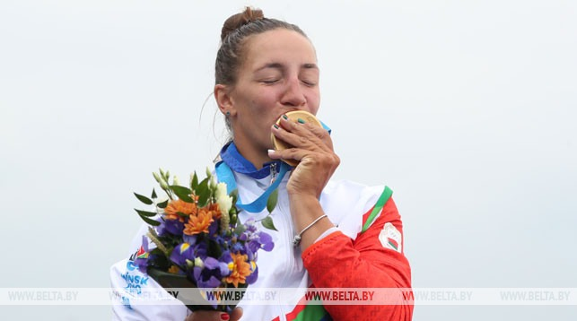 Volha Khudzenka superou Danuta Kozák, atual bicampeã olímpica do K-1 500 m, e conquistou o ouro na prova