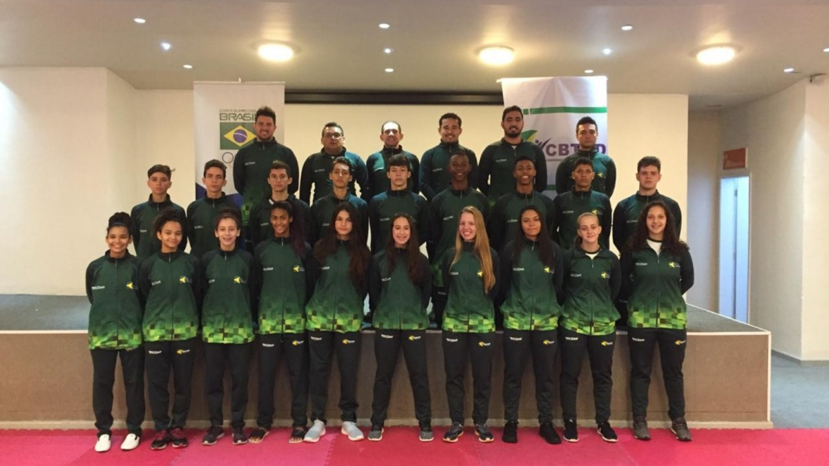 Seleção juvenil de taekwondo embarca para o Pan-Americano