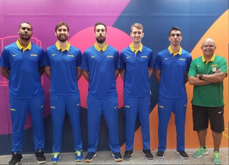 Seleção masculina de basquete 3x3 embarca para a Copa do Mundo da modalidade