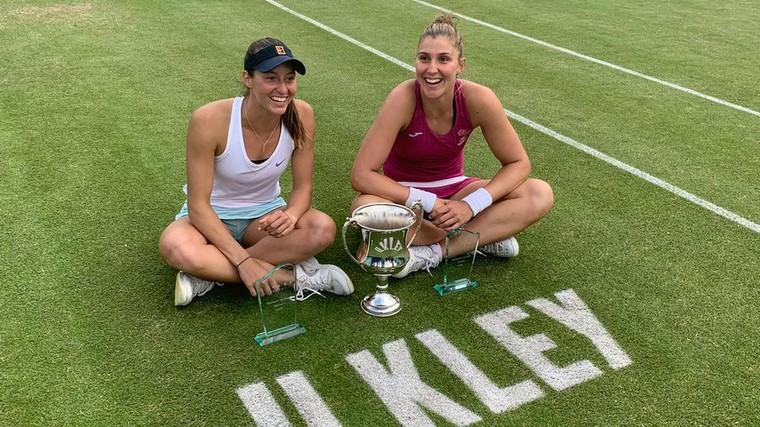 Bia e Stefani conquistam título na grama inglesa