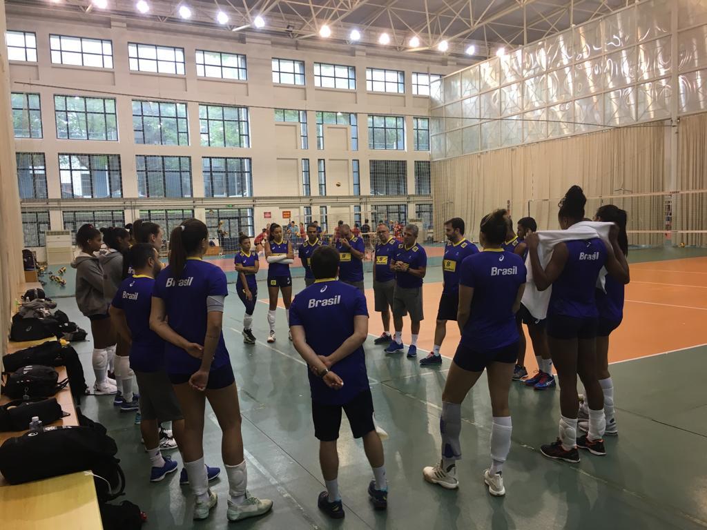 Seleção feminina de vôlei já se prepara para a disputa da última fase da Liga das Nações, que começa dia 3 de julho
