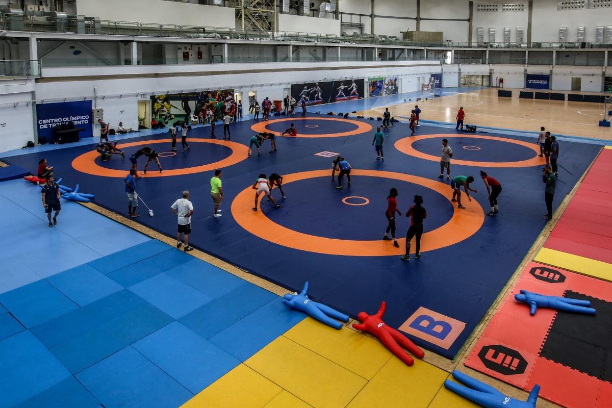 Seleção brasileira de wrestling se prepara para o Pan de Lima
