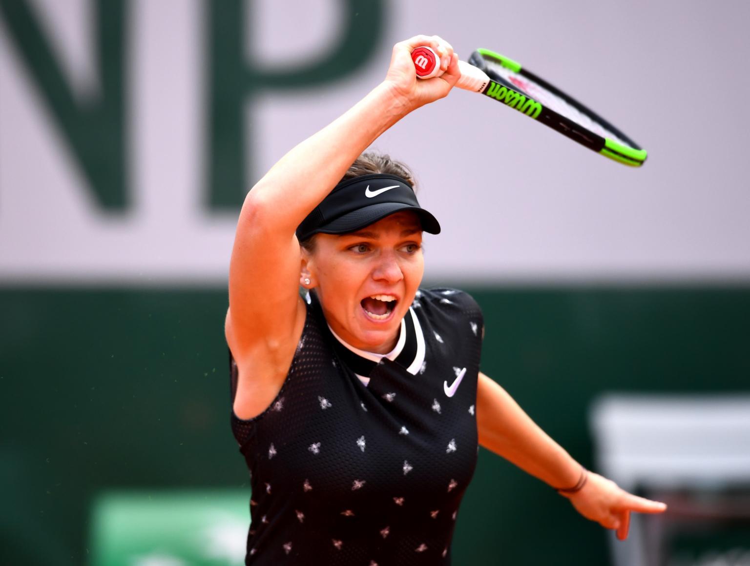Simona Halep aplica pneu e atropela jovem polonesa em Roland Garros