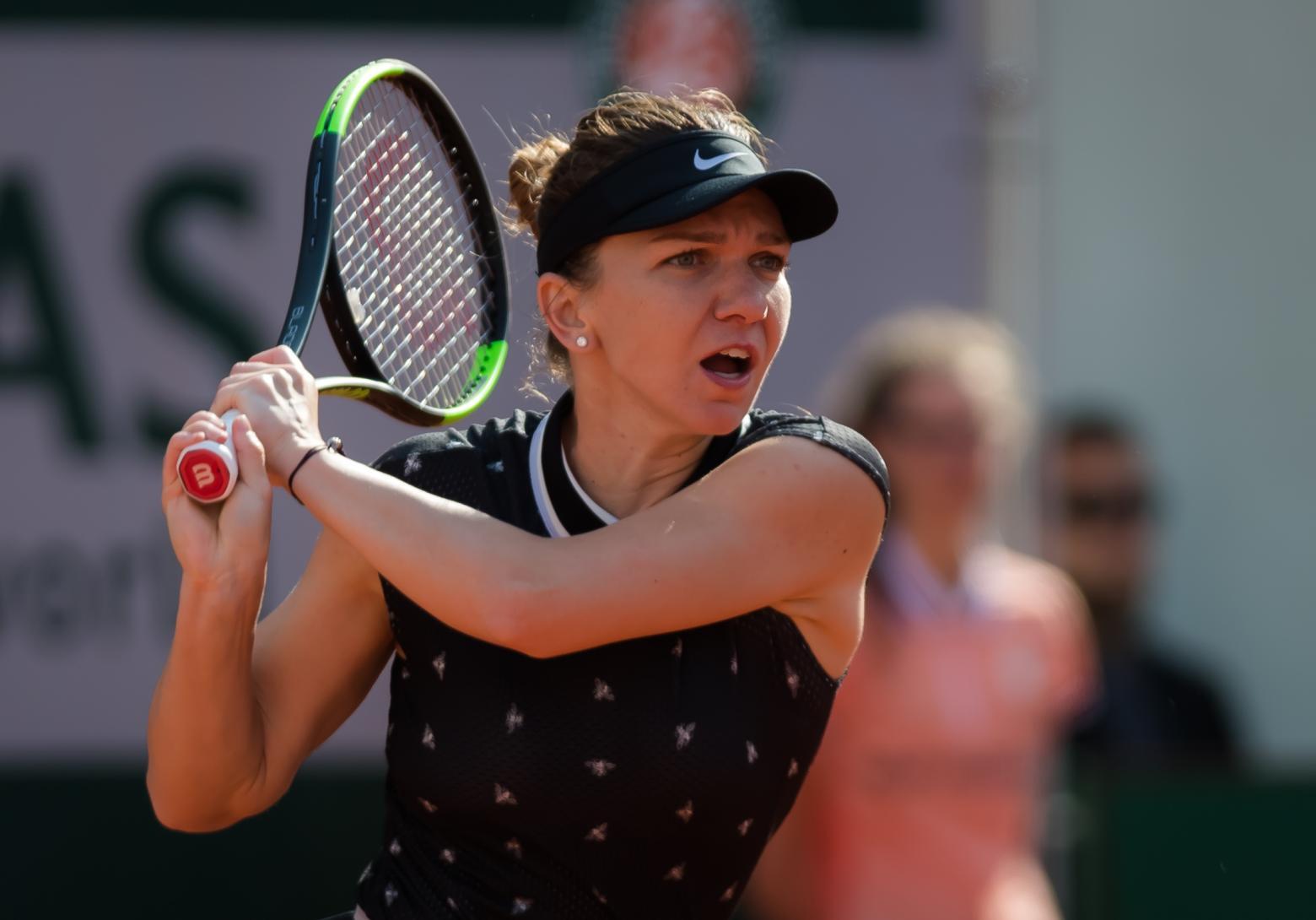 Simona Halep cai nas quartas de Roland Garros