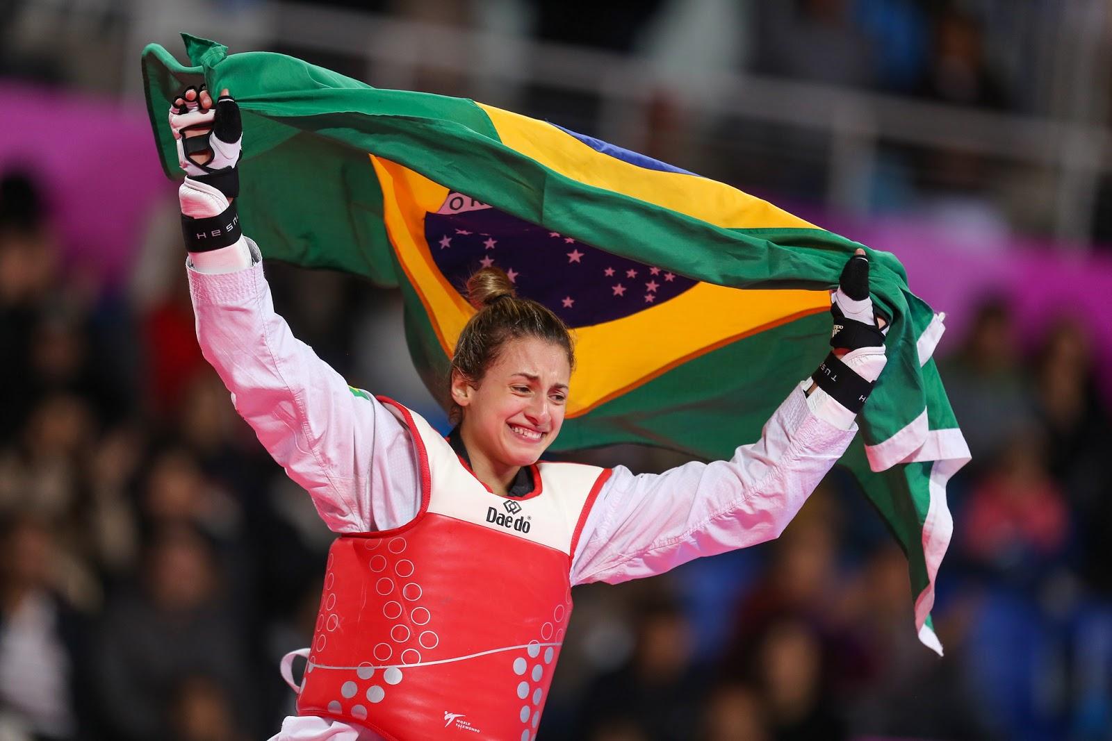 Milena Titoneli ganha o ouro e faz história no Pan de Lima
