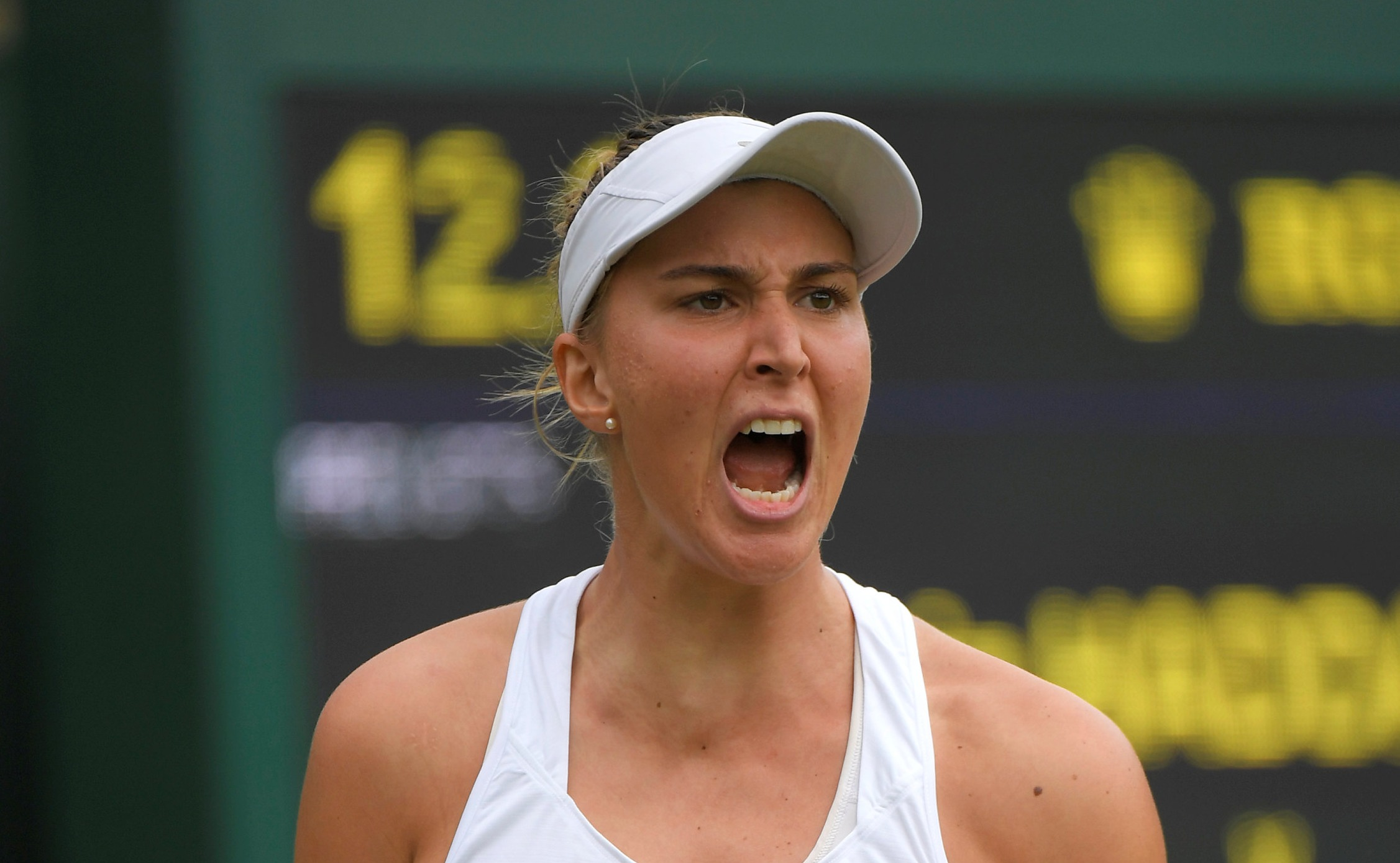 Bia Haddad bate ex-número 1 do mundo e avança em Wimbledon
