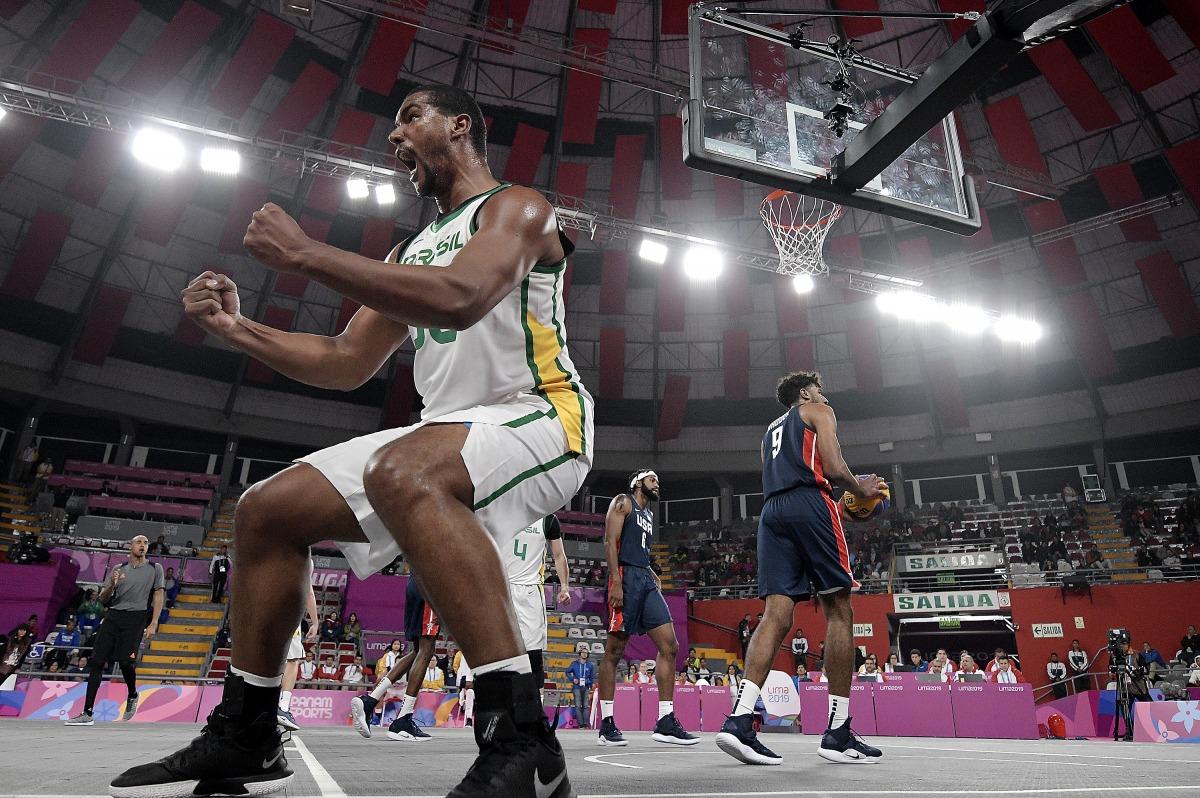 Seleção brasileira vence atual campeã Mundial e lidera basquete 3x3 em Lima