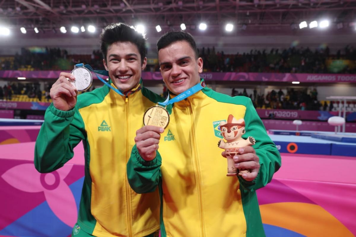 Caio Souza é ouro, Arthur Nory prata e Brasil faz dobradinha na ginástica