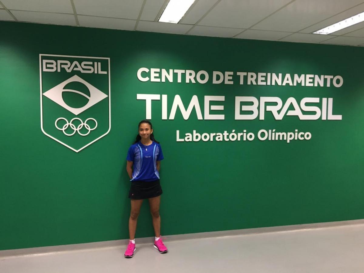Giulia Takahashi realiza testes no Laboratório do CT Time Brasil