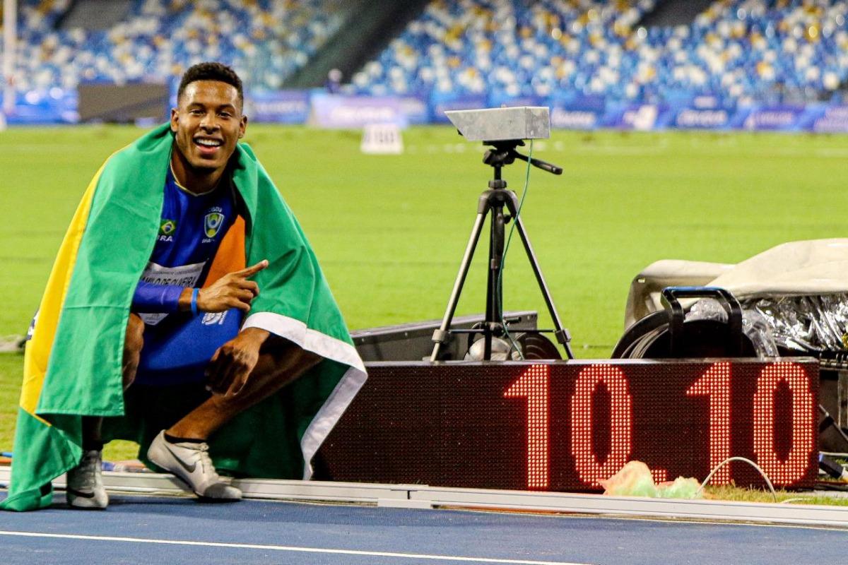 Paulo André conquista a medalha de ouro nos 100m em Nápoles