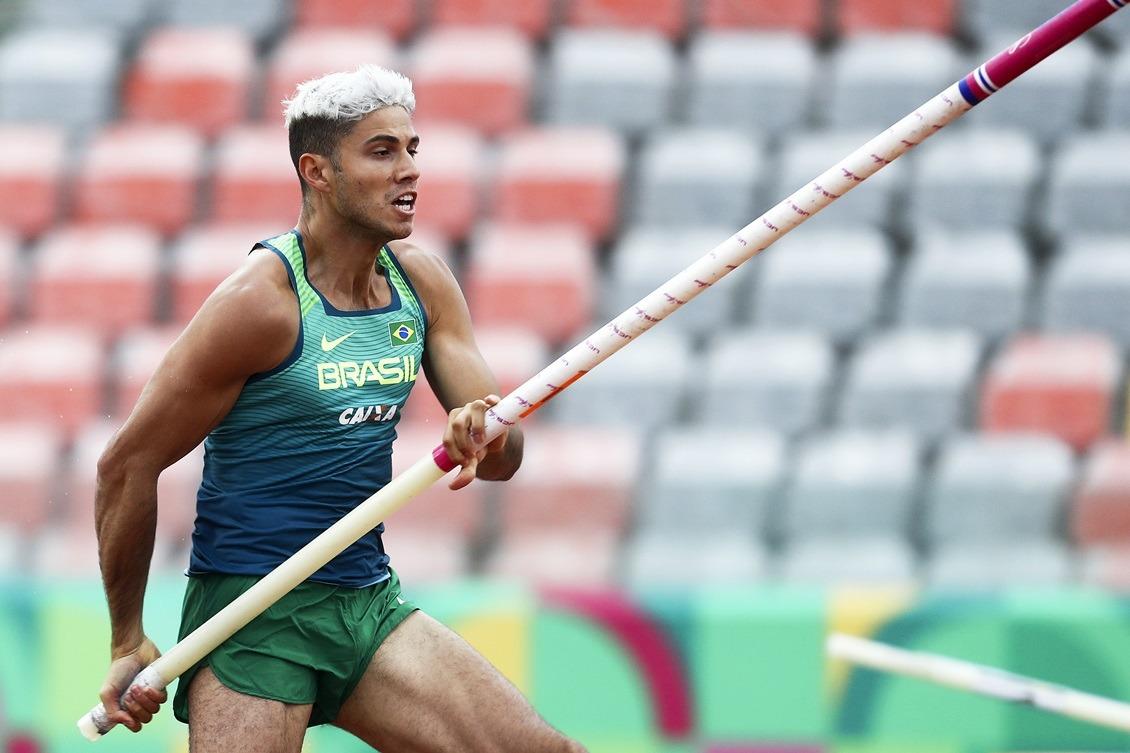 O campeão olímpico Thiago Braz voltou a saltar perto da marca dos seis metros. Foto: Wagner Carmo/CBAt