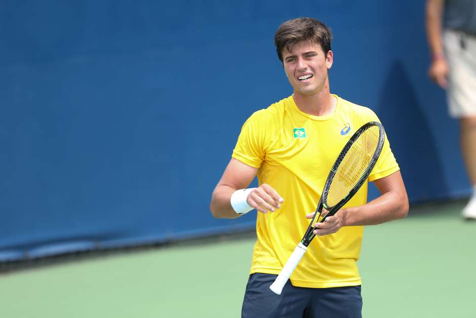 João Menezes cai na semifinal do Challenger de Gatineau
