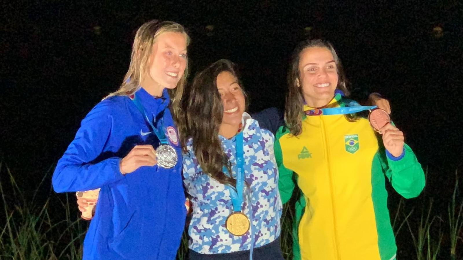 Mariana Nep ganha o bronze na estreia do wakeboard feminino em Pans