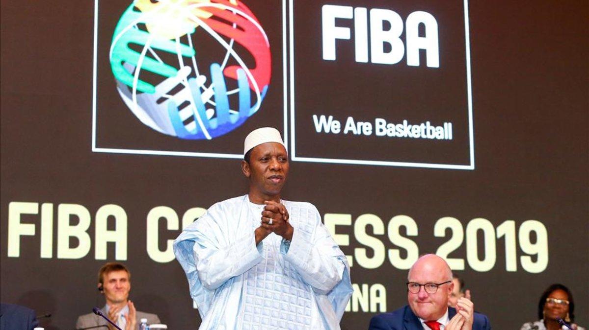 Hamane Niang é eleito novo presidente da Fiba