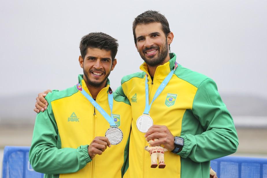 Em busca de vaga olímpica, irmãos Vela Maggi disputam Mundial de remo