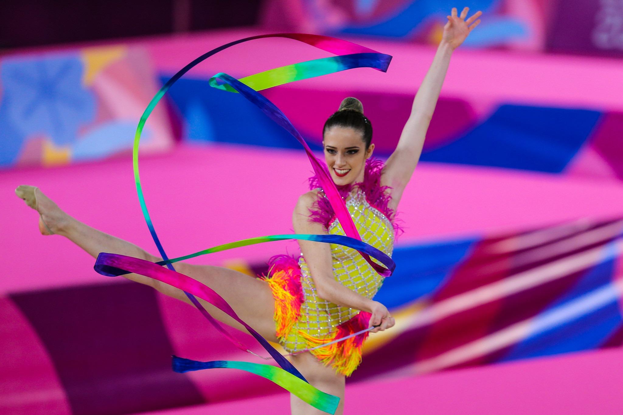 Natália Gaudio é bronze na ginástica rítmica em Lima - Agência ...
