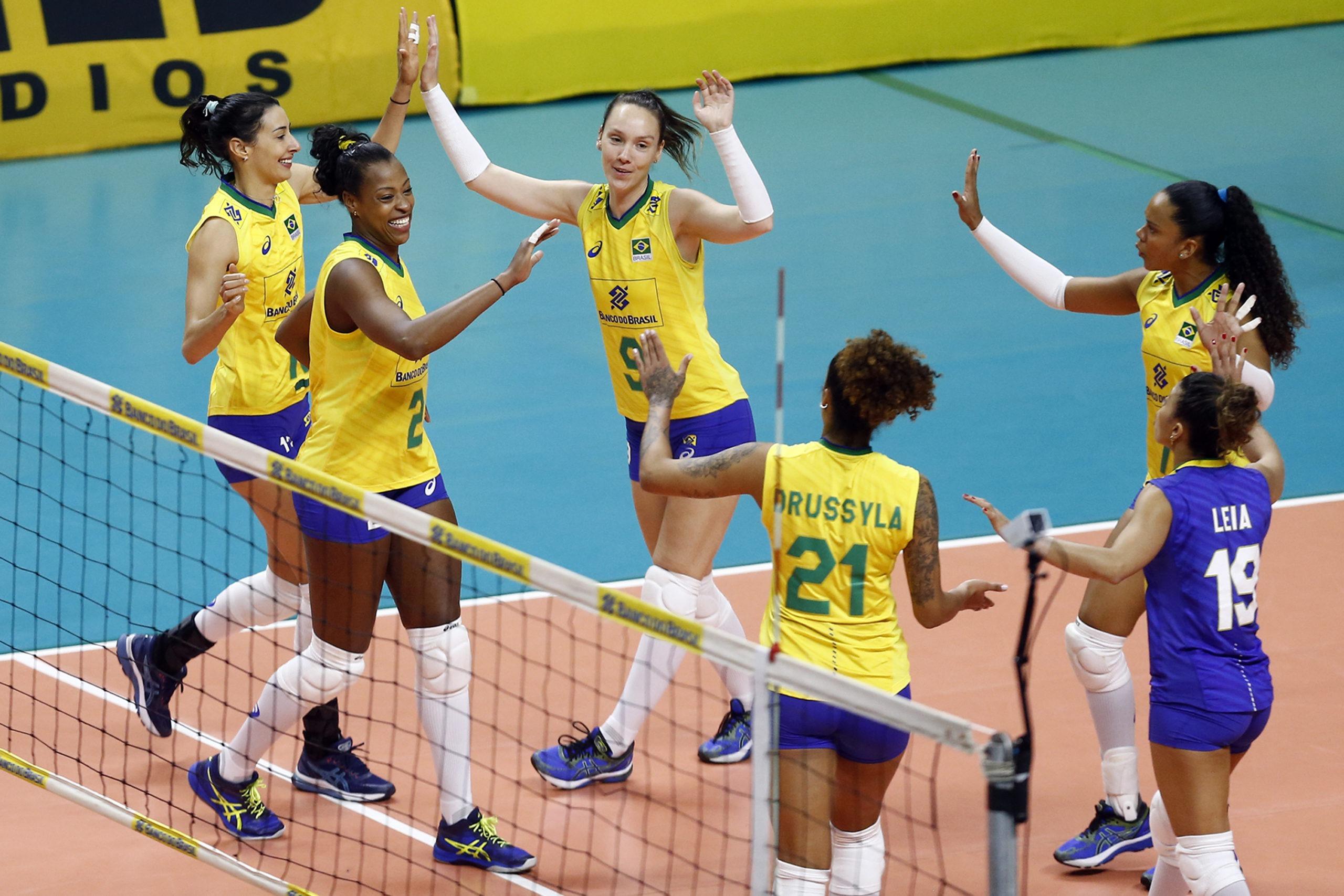 Seleção brasileira de vôlei bate Argentina mais uma vez em Suzano