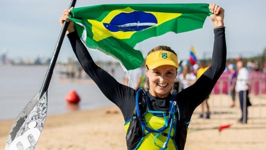 Desta vez, ouro para Lena Ribeiro e prata para Vinnicius Martins no stand-up race, a prova de velocidade da modalidade.