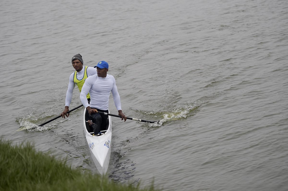 Isaquias e Erlon avançam à semi do Mundial de canoagem com o 3° melhor tempo