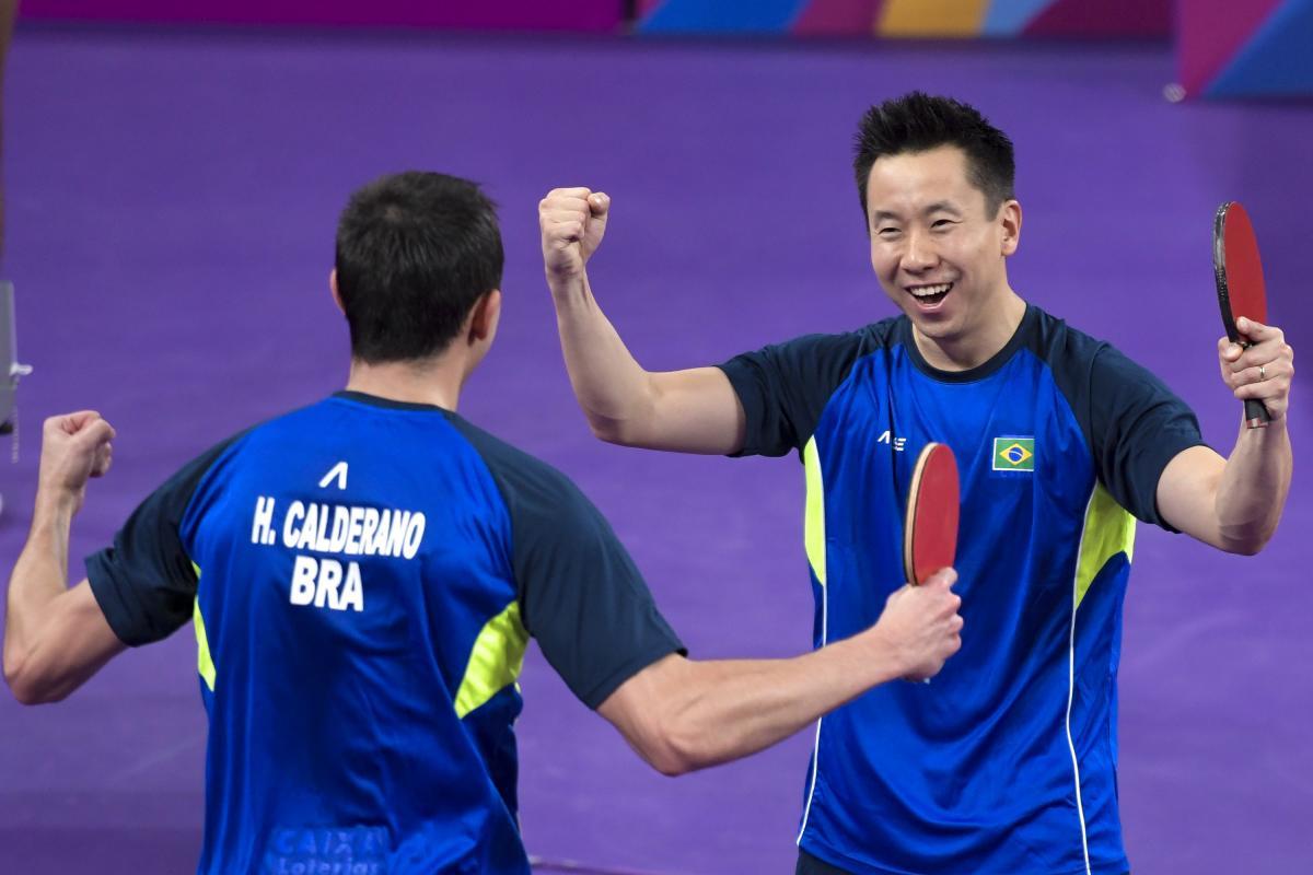 Tênis de mesa estreia com força total e já garante medalhas em Lima