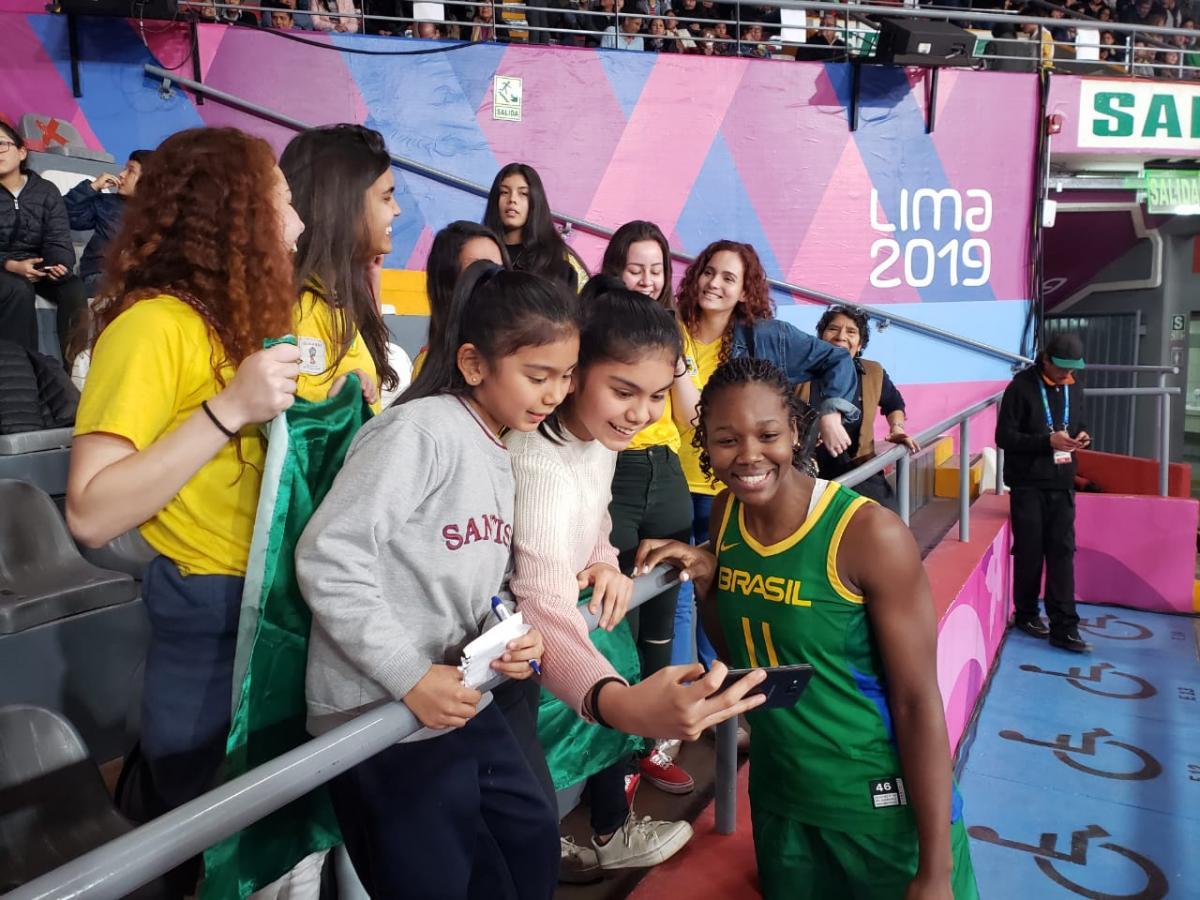 Seleção feminina de basquete busca final após 12 anos
