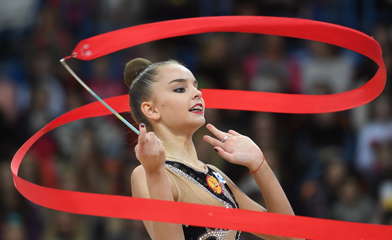 Dina Averina pode igualar marca história em Baku