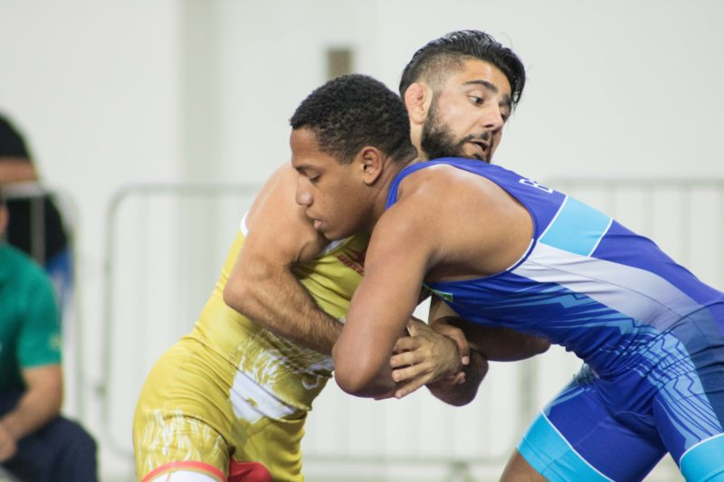 Sargis Khachatryan perde na estreia e deixa o Mundial de wrestling