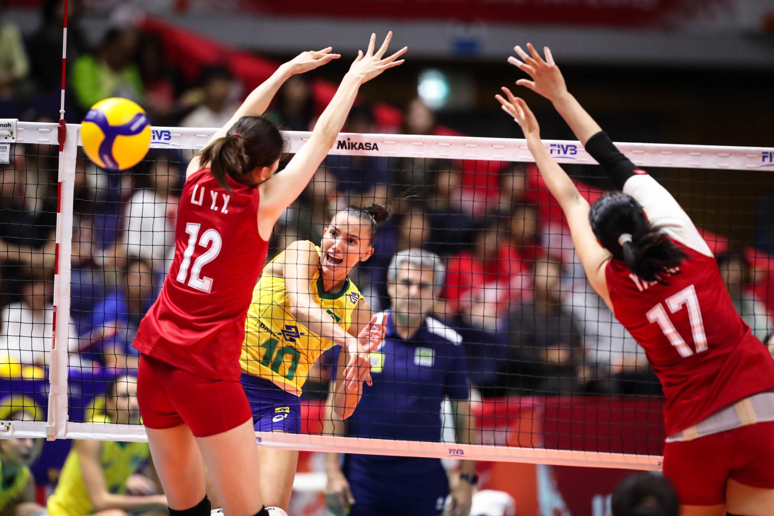 Brasil sofre virada e perde para a China na Copa do Mundo feminina de vôlei