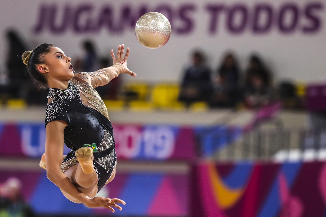 Bárbara Domingos conquista o melhor resultado do Brasil na estreia do Mundial