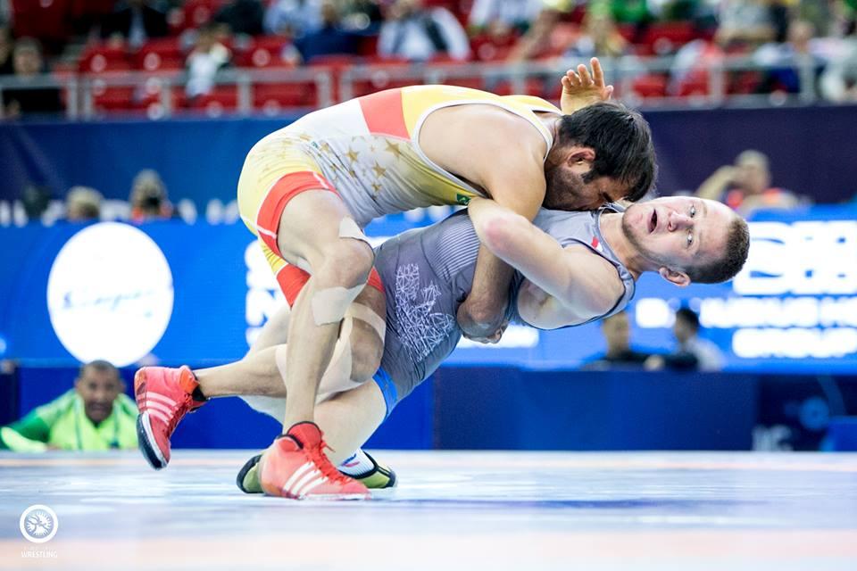 Marat Garipov cai na estreia e fica sem vaga olímpica