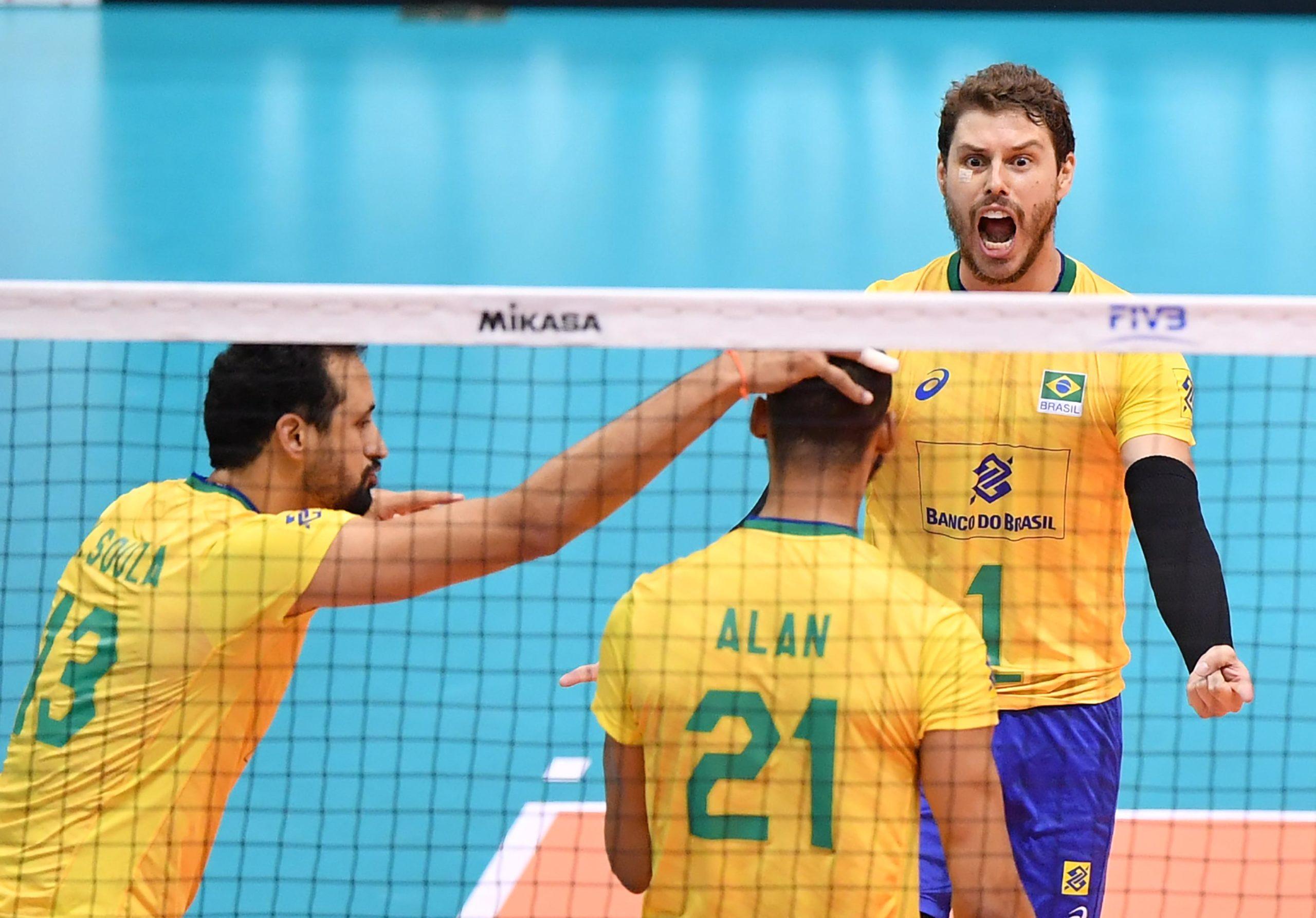 Brasil bate a Rússia e segue invicto na Copa do Mundo de vôlei