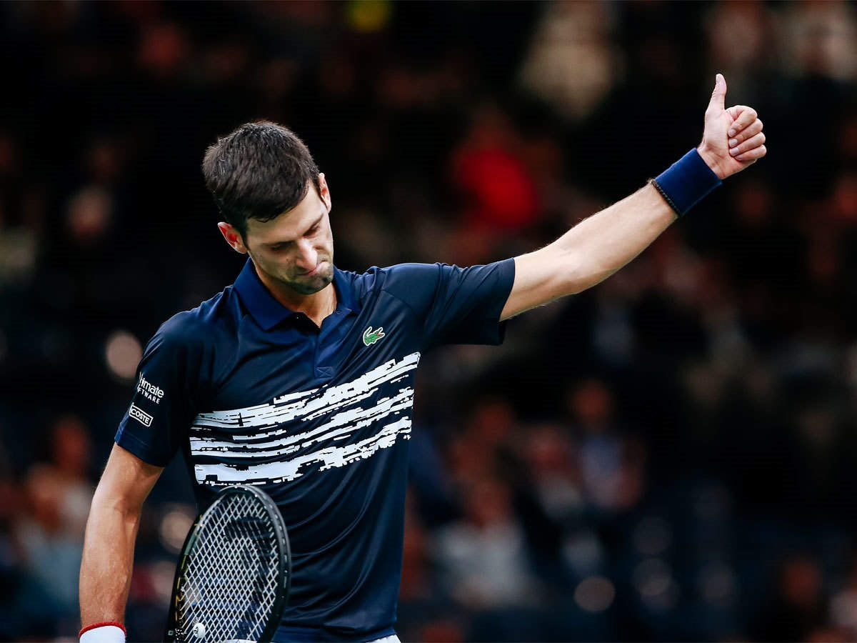 Djokovic bate Edmund e chega a 50ª vitória na temporada