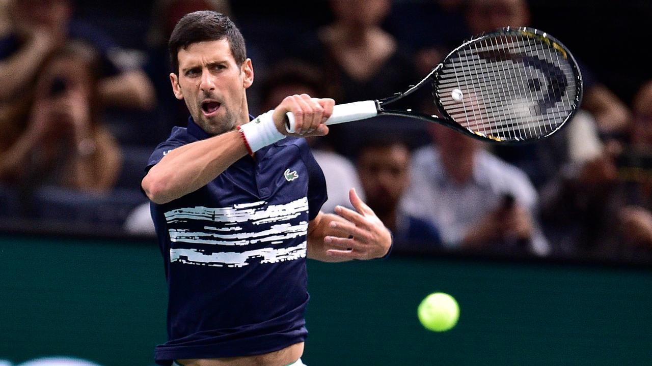 Djokovic tem dura estreia no Masters 1000 de Paris