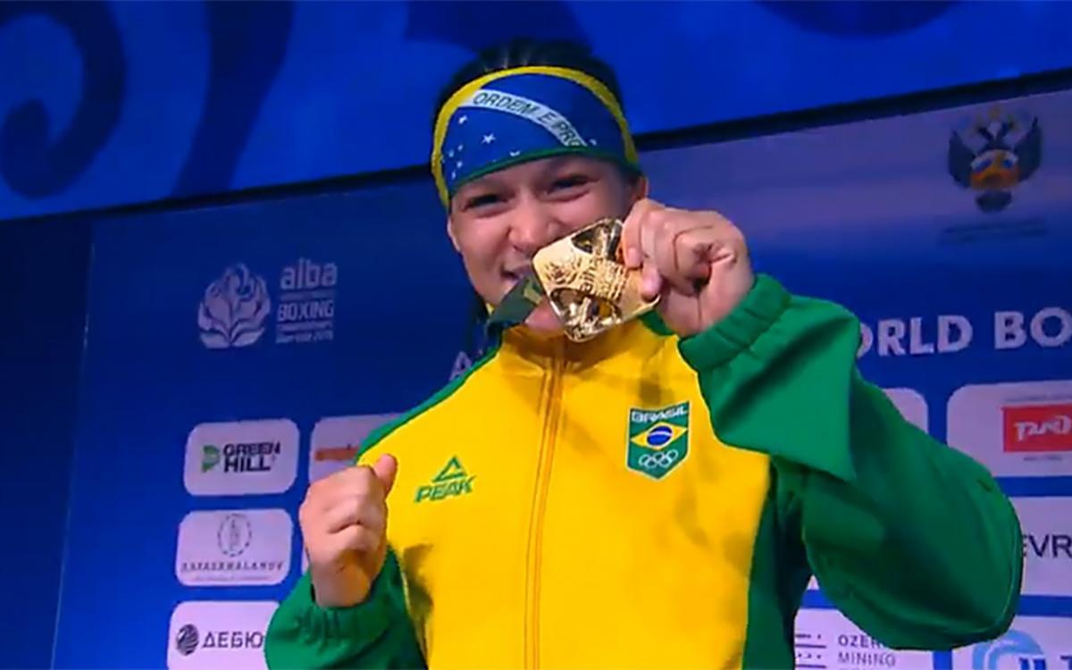 Beatriz Ferreira é campeã mundial de boxe