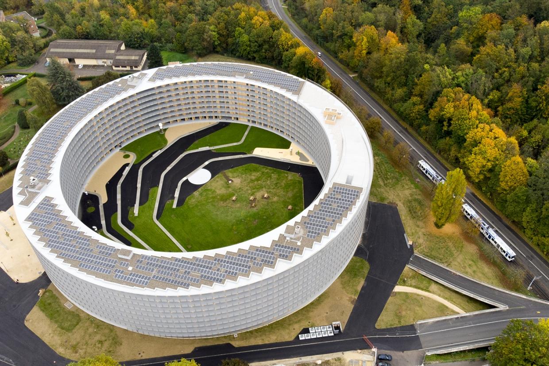 Lausanne 2020 inaugura vila olímpica