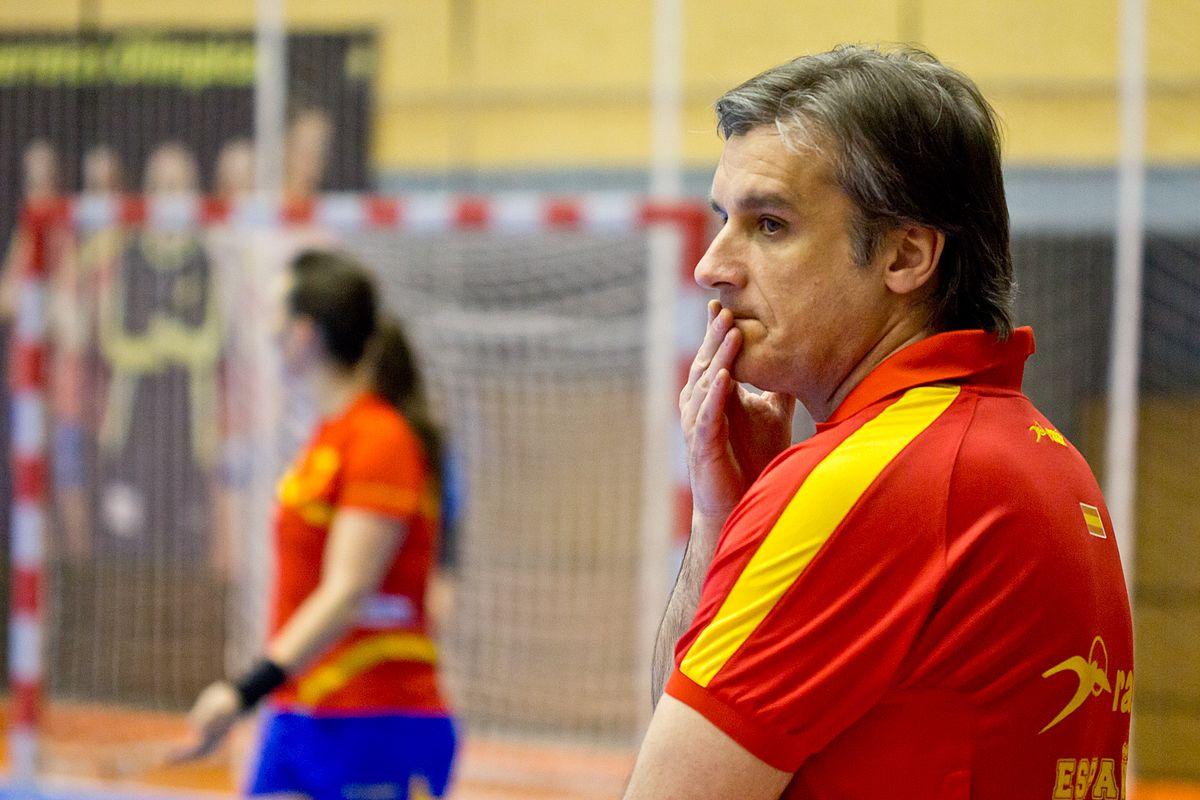 Jorge Dueñas vê 'nível altíssimo' no Mundial de handebol feminino