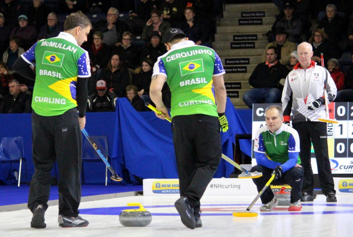 Curling brasileiro disputa competição nos Estados Unidos em busca de vaga no Mundial