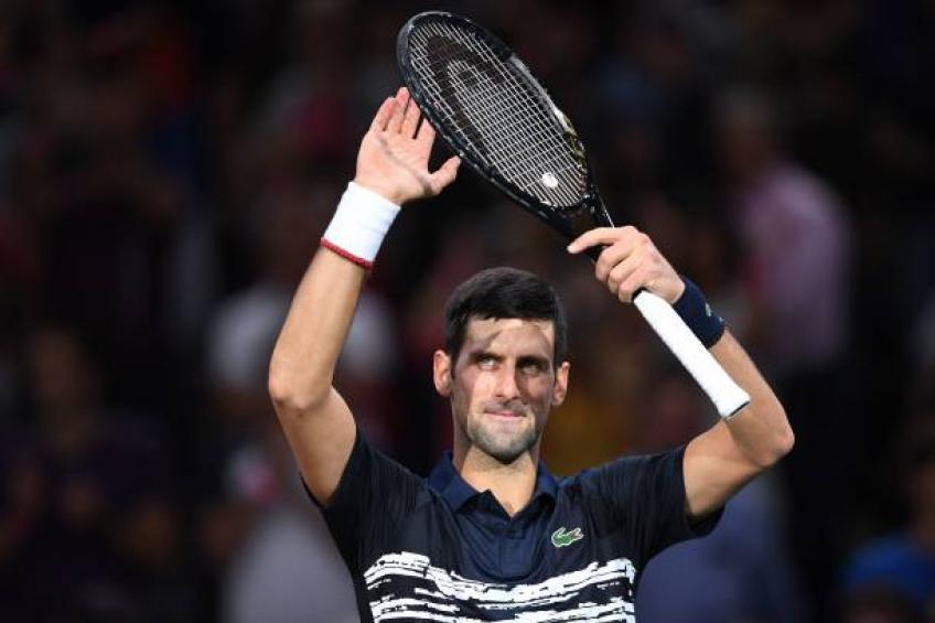 Djokovic bate Tsitsipas e encara Dimitrov na semi do Masters de Paris