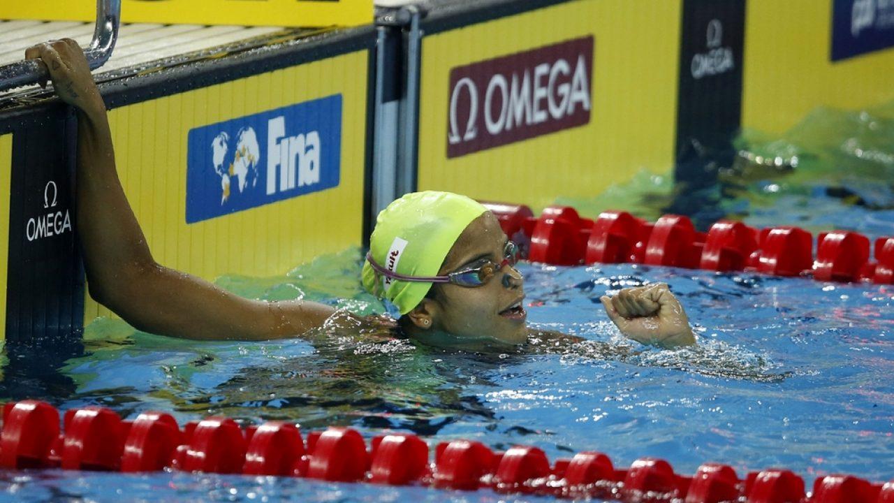 Etiene Medeiros conquista o bronze nos 50m costas na etapa de Kazan da Copa do Mundo