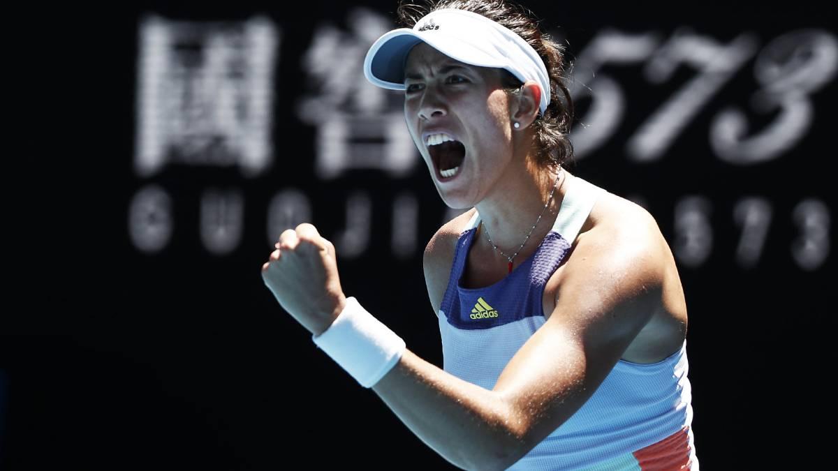 Garbiñe Muguruza derrota Simona Halep para alcançar 1ª decisão de Australian Open
