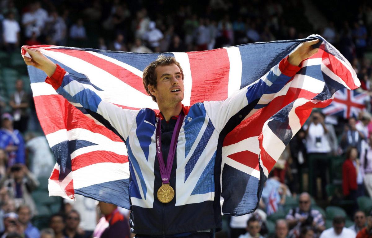 Andy Murray após o ouro na chave de simples dos Jogos Olímpicos de Londres, em 2012. Foto: Getty