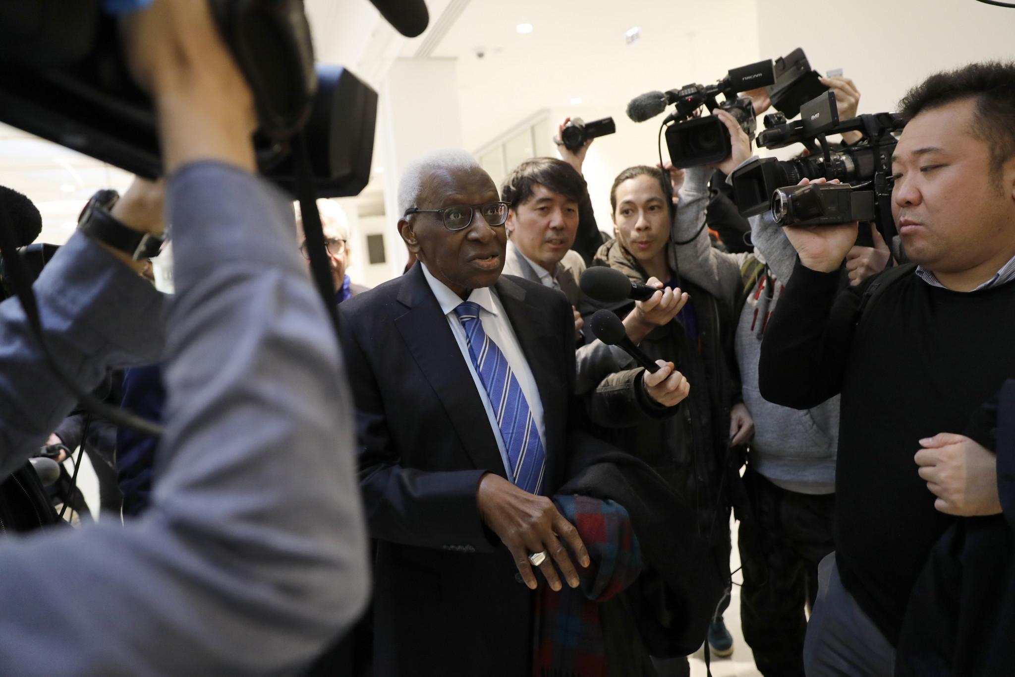 Promotoria pede mais prazo e julgamento de Diack é adiado até junho